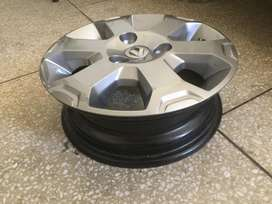 Renault Climber Rims with diamond cut wheel covers