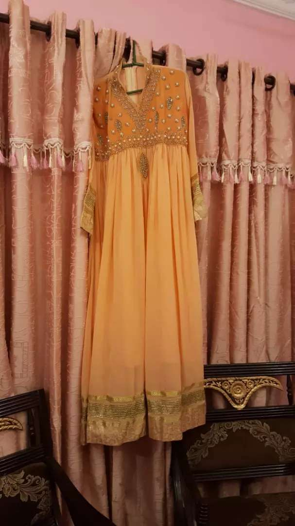 Selling frock with dupatta and trouser 0