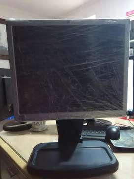 LCD monitor HP 1740 Bisa diputar
