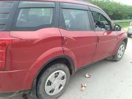 Mahindra XUV500 model car is ready to sell for 700000.