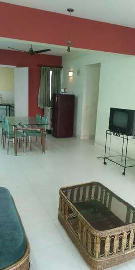 Greenwood park, newtown offers 3 bhk furnished flat for rent