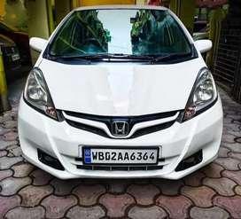 Honda jazz (ivtec engine) Fully loaded & maintained primium car