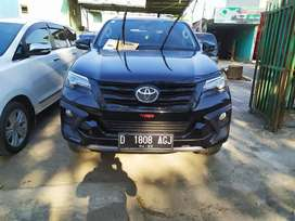 Toyota Fortuner Trd Sportivo Diesel A/T 2017 - Dp nego