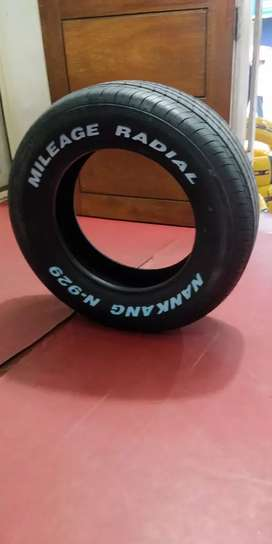 Tyre 205/65-15- with white lettering for Innova