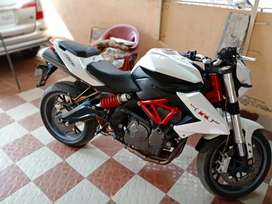 Benelli 600 white color