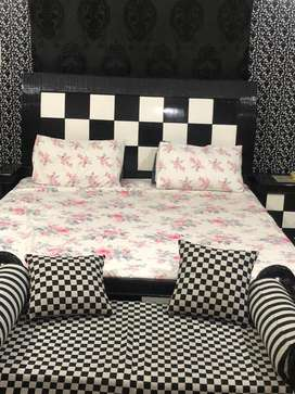 bed set with 2 side tables and dresin table