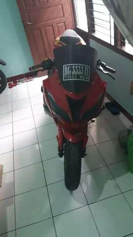 Dijual Motor jarang pakai Ninja 250 siap pakai
