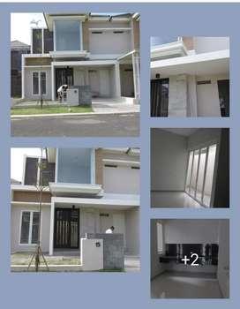 Rumah 2 lantai Kahuripan Nirwana dekat Tol Sidoarjo bisa KPR
