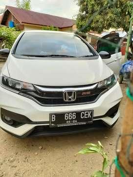 Mau jual Honda jazz RS THN 2019 at