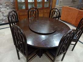 Round dining table with 06 chairs for sale