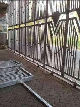 Pemasangan pagar lipat