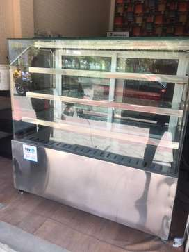 Cack display fridge, new only 2 months used