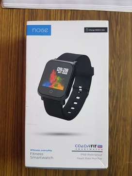 Noise color fit pro smart watch