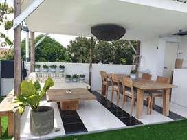 Rumah nyaman 3 lantai dengan kolam renang pribadi dekat Hartono Mall