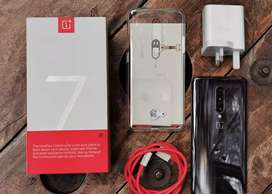 One plus 7 pro in good condition with all accessories