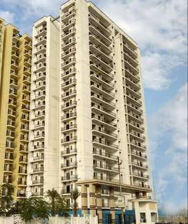 1BHK READY TO MOVEIN FLAT FOR SALE AT MAXBLIS GRAND WELLINGTON IN NOID