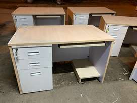 Office computer tables 100 nos available