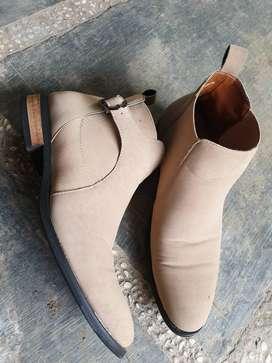 Sepatu Boot Kulit 41 Coklat Tua & Boot Suede Mulus size 42 ( 2 set )