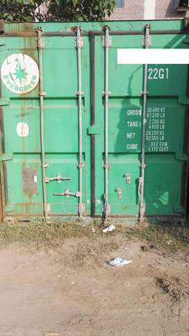 20 ft and 40 ft dry/shipping containers for sale