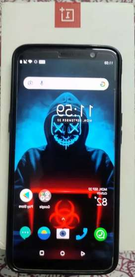 One Plus 5T Mobile Phone in Mint Condition