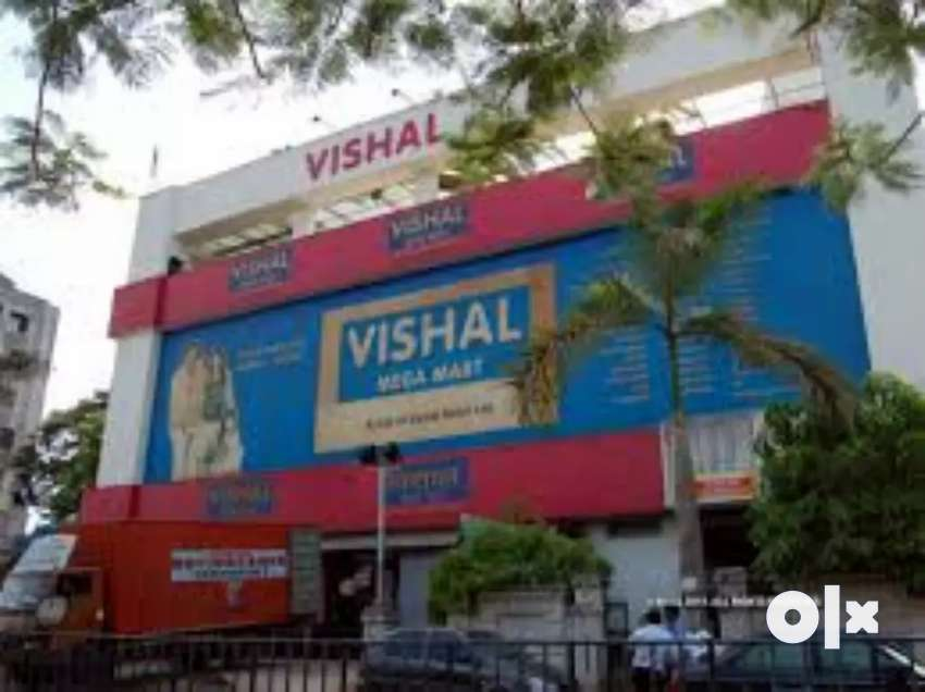 Required fresher male and female candidate in shopping mall 0
