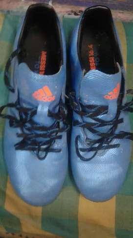 Adidas boot Messi version 16.4