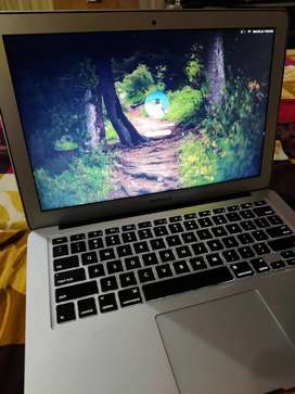 Apple Macbook Air in Excellent Condition