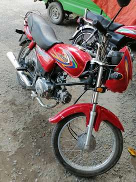 United 100cc 1 year used 8500km