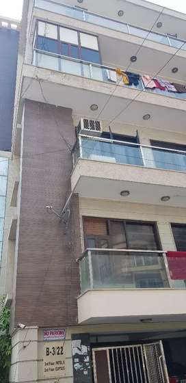 3bhk floor in Rana PRATAP Bagh with roofright
