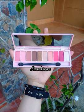 Eyeshadow kotak pink kaca