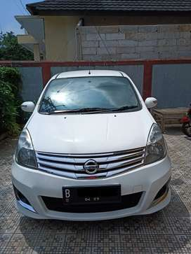 Grand livina ultimate 2013 automatic KM rendah