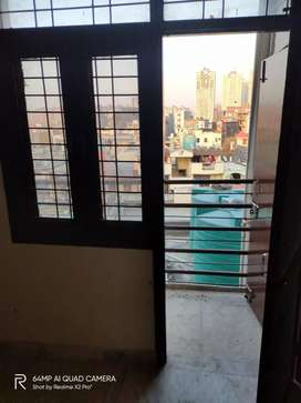 2 bhk super spacious flat near sector 76 metro station