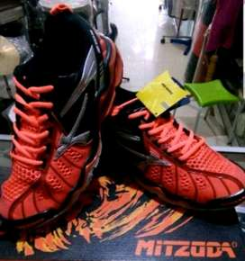 Sepatu Volly Mituzda Light Mid Duo