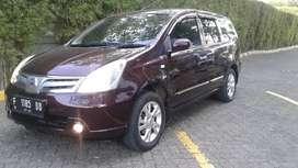 Nissan Grand Livina XV 2012
