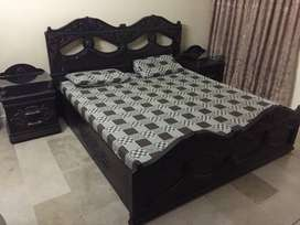 Whole Bed Set With 3 door Cupboard and Dressing Table