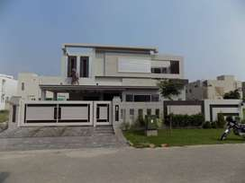 ESTATE MASTER Offers Kanal Bungalow With Straight Line Elevation