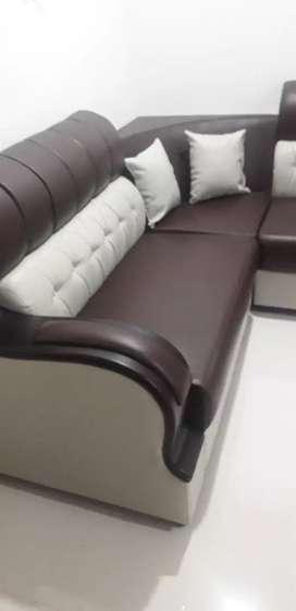 Urgent Sell Brand New attractive design PU Italian leather Sofa
