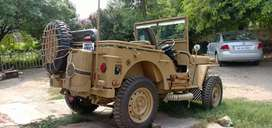 Open military sports Willy jeep.