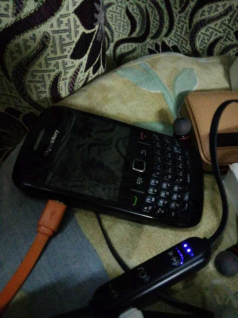 Blackberry 8520 awesome condition 0