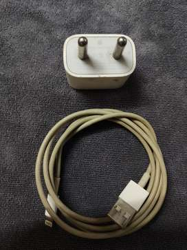 iPHONE Original Charger - Adapter and USB cable