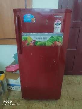 SAMSUNG Stabiliser less fridge.