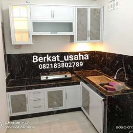 Lemari aluminium kitchenset etalase