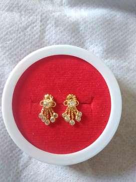 Beautiful new 22crt gold earrings
