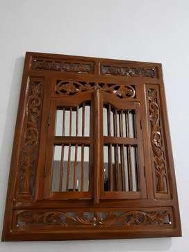 Cermin hias pajangan kayu jati