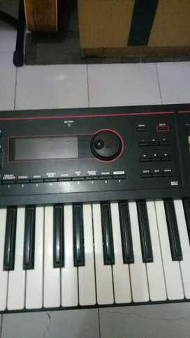 Roland xps 30 like new