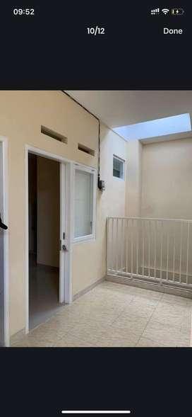 Rumah kos baru dan nyaman dekat MRT
