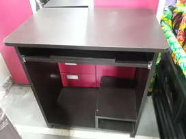 Brand New Study or Computer Table High Quality storng