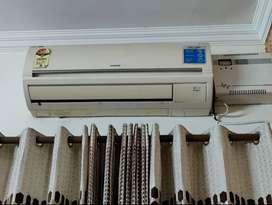 Hitachi Split 1.5 ton AC
