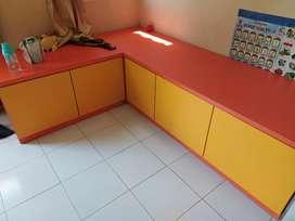 Meja,pajangan dan kitchen set