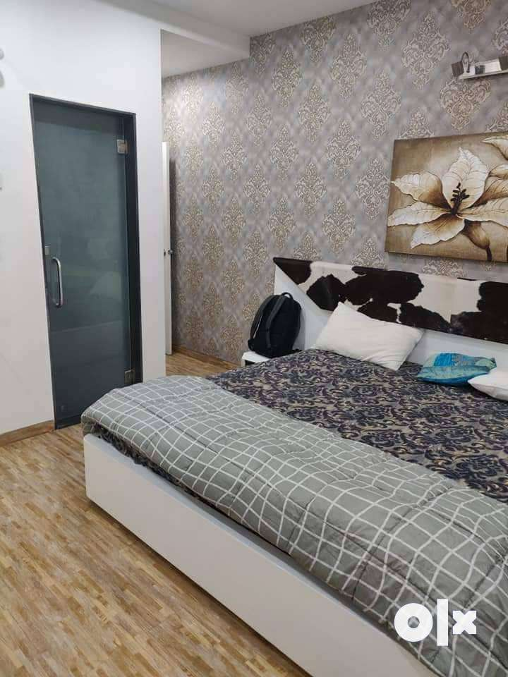 3.5 bhk resale semi-  furnished flat in Wanowrie 0